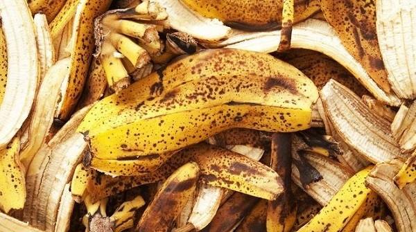 Банановые шкурки против насекомых